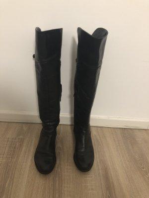 Sehr bequeme schwarze Lederstiefel