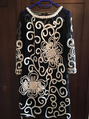 Apart  glamour Vestido blanco-negro tejido mezclado