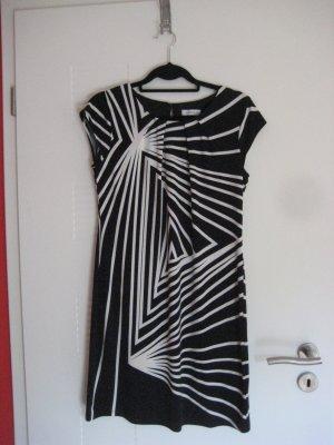 Sehr besonderes Kleid in schwarz/weiss