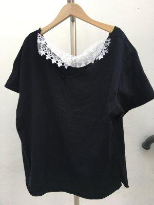 Sehr besonderes schwarzes Shirt weiße Spitze Unikat