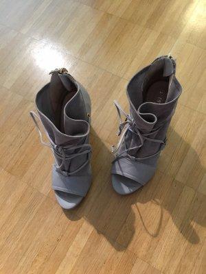 L'Estrosa Peep Toe Booties grey