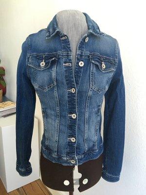 Sehr coole verwaschene Jeansjacke in dunkelblau stonewashed von Clockhouse Größe 40