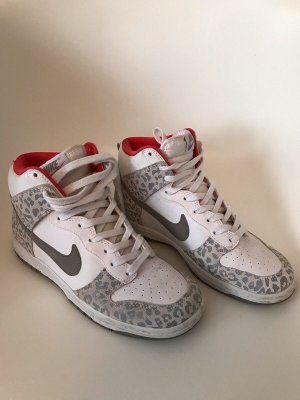 Sehr cooler Nike Dunk, super Zustand!