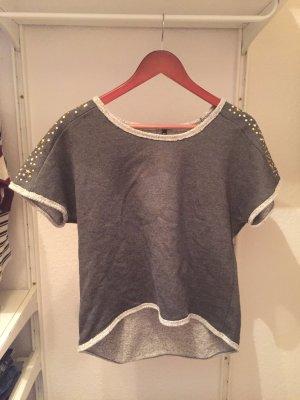sehr dickes, graues T-Shirt