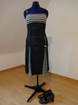 Blutsgeschwister Dress black-white