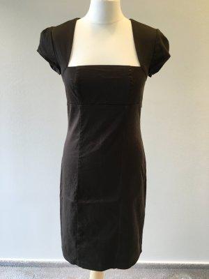 Sehr figurbetontes Kleid