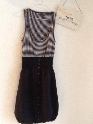Sehr figurbetontes Kleid der Firma Castro in Gr.36