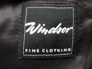 SEHR GUT ERHALTEN: Anzug von Windsor mit Weste in GR 27