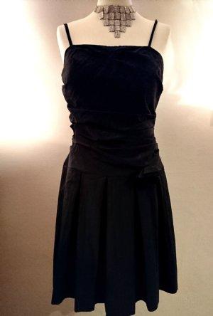 Sehr hochwertiges schwarzes Cocktailkleid von Jake*s
