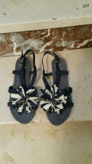 sehr hübsche Sandale in dunkelblau, Größe 40