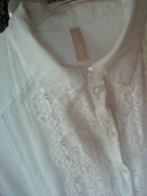 sehr hübsche weiße Bluse mit Spitze 38