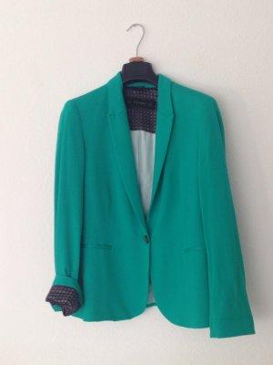Sehr hübscher Blazer von Zara.