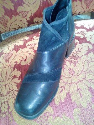 Sehr interessanter und auffälliger Schuh