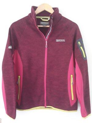 Sehr schicke Fleece-Jacke in Strickoptik von Regatta, Farbe: Beetroot, Gr. 40