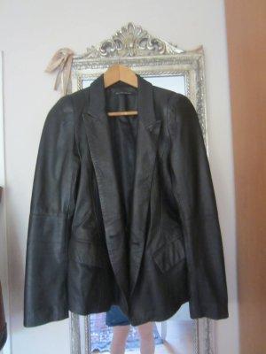 Sehr schicke schwarze Lederjacke