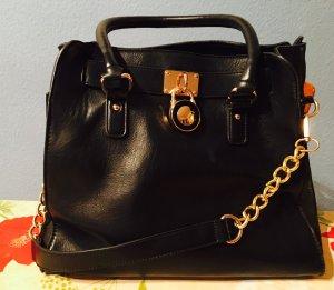 Sehr schicke schwarze Tasche