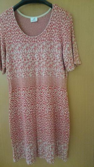 Sehr schickes leichtes  Kleid in Größe 44