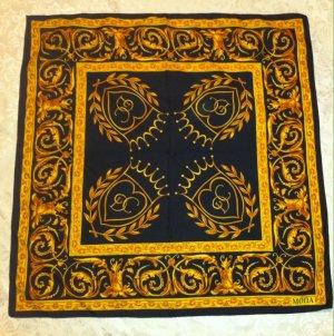 Sehr schickes Tuch, Halstuch von Mona, schwarz mit goldenen Ornamenten, 73 x 73