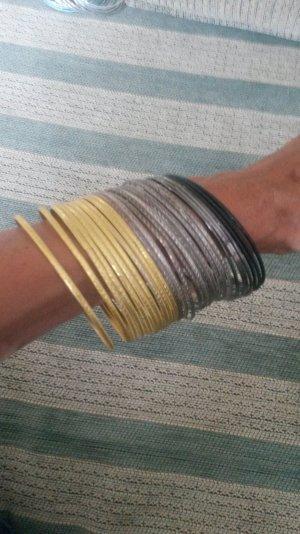 Sehr schöne Armreifenset in Gold/schwarz/Silber /grau neu!