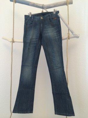 Sehr schöne Boot-Cut Jeans mit Pailletten von CAVALERA aus BRASILIEN