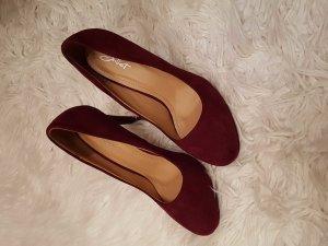 Sehr schöne dunkel rote High Heels