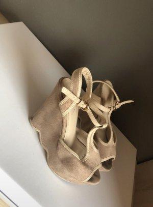Sehr schöne Höhe Schuhe