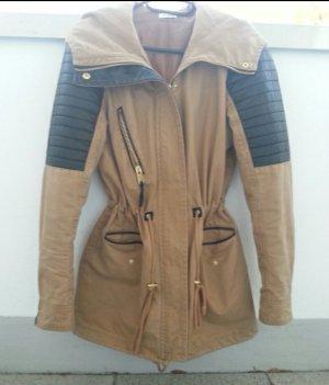Sehr schöne Jacke beige Lederimitat Neu