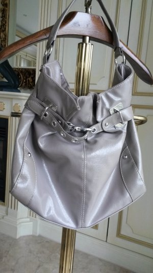 sehr schöne lackleder Hand /Schulterntasche in Schlamm farbe!