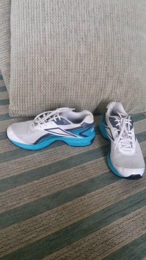 Sehr schöne Laufschuhe in blau/weiß  wie neu!