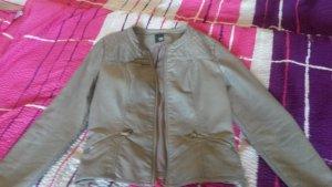 Sehr schöne Lederjacke in einem hübschen grau