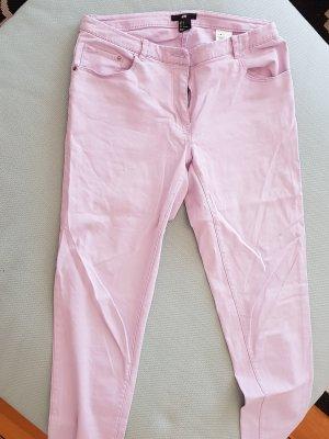 Sehr schöne pastellfarbene fliederfarbene Jeans von H&M