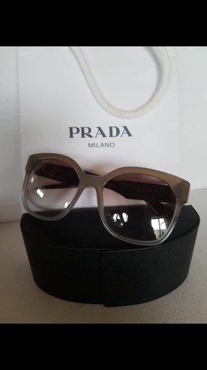 Sehr schöne Prada Sonnebrille für einen kleinen Preis.