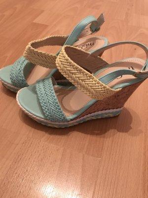 Sehr schöne Sandalen, in Grösse 36