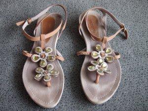 sehr schöne Sandalen mit Steinchen-Applikationen (hellgrün-gelb)