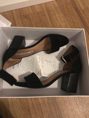 Sehr schöne Sandaletten