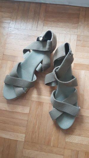 Sehr schöne Sandaletten Gr.42, neuwertig!