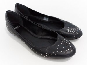 sehr schöne schmale Ballerinas von Bronx aus Echtleder mit kleinen Nieten, schwarz Gr. 37 neuwertig