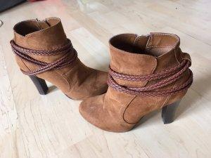 Sehr schöne Schuhe in Cognac Farbe