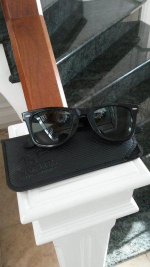 sehr schöne schwarze Ray Ban Sonnebrille!