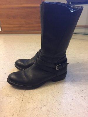 Sehr schöne schwarze Stiefel, echtes Leder der Marke Tamaris