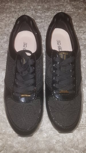 Sehr schöne Sneakers