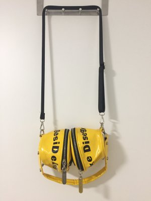 Satchel yellow-black
