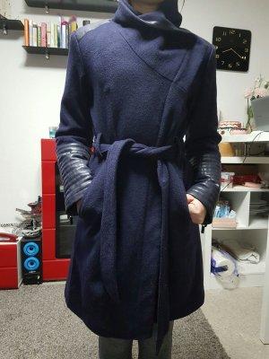 Sehr schöner dunkel blauer Wool Coat von Mischka Badglay