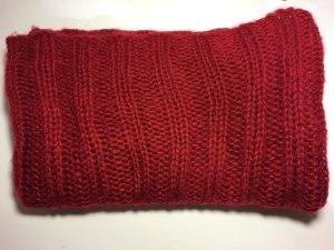 Sehr schöner roter Schal