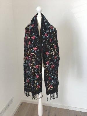 Sehr schöner Schal gekauft bei Hallhuber ca. 180cm lang und 60cm breit
