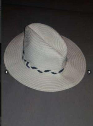 Sombrero de ala ancha blanco