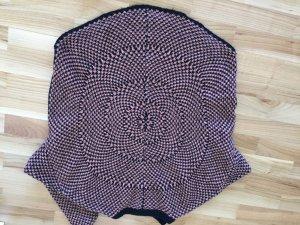 Sehr schöner Strickpullover mit Muster