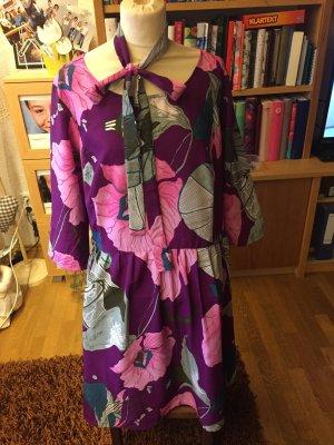 Sehr schönes Damen Kleid