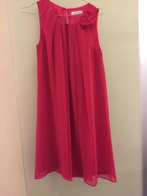 Sehr schönes festliches Kleid in Pink