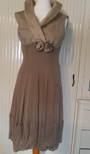 Sehr schönes festliches Kleid in Taupe made in Italy Größe 38